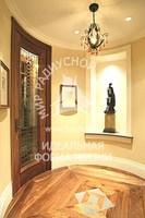 Радиусная дверь витражная