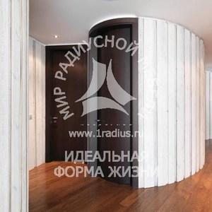 Радиусная дверь шпон